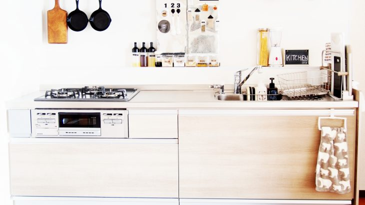 収納力UP・オシャレなDIYで、一人暮らしのキッチンの悩み解決