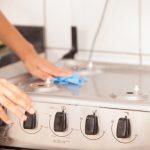 キッチン掃除のコツは拭くこと!? 汚れをためずにピカピカに