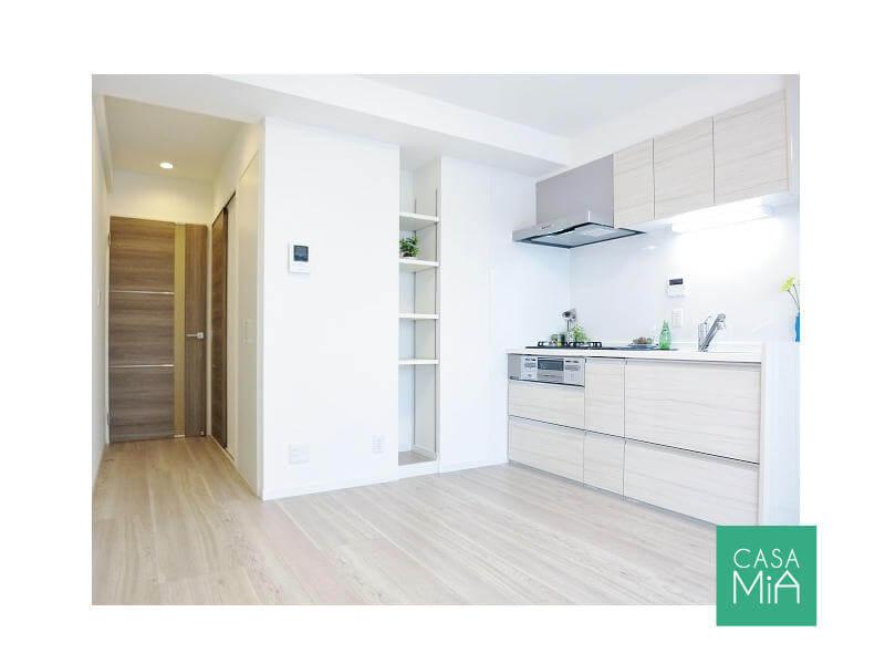リノベーション済で美しい室内(参考写真)|クインズコート新宿