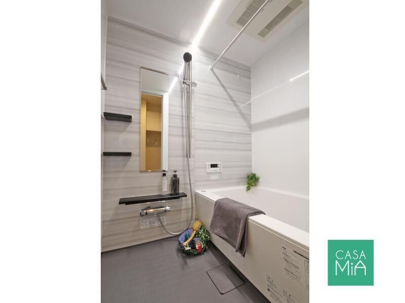 バスルームもピカピカ!浴室乾燥機付きです|オークヒルズ府中