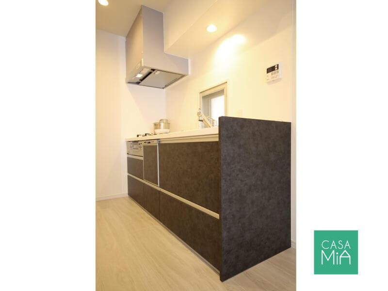 三ツ口コンロ、浄水器、食洗機付きの新しいキッチン|オークヒルズ府中