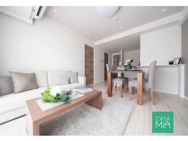 大き目なソファも置けるゆったり空間|LD|プレシス東日暮里