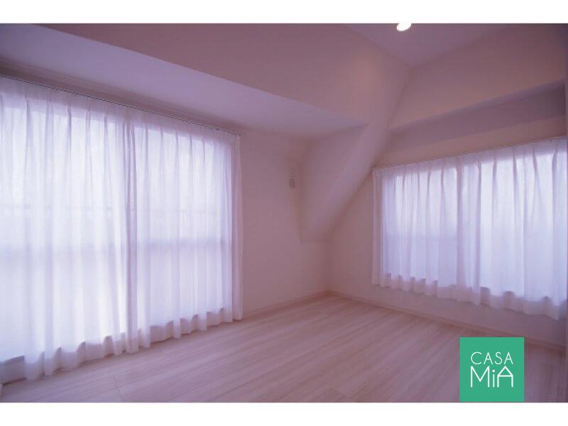この寝室にはとても大きなWICが付いてます|洋室|グリーンコート梅ヶ丘
