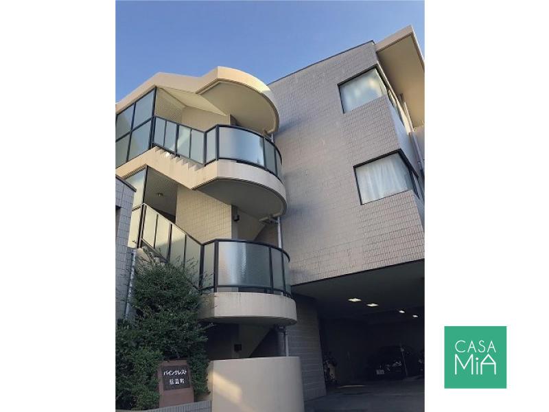 タイル貼りのシンプルなデザイン|外観|パインクレスト信濃町
