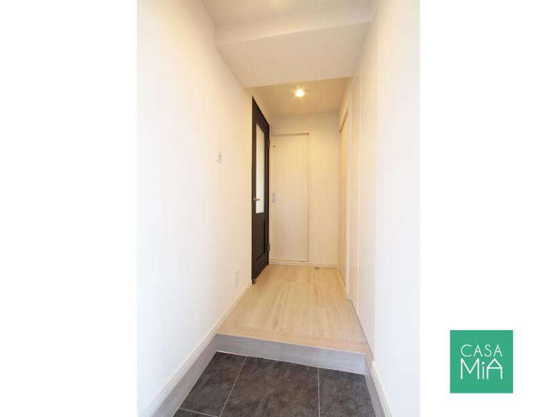 玄関の雰囲気もいい感じです。ドアが可愛い!|アークス武蔵小山